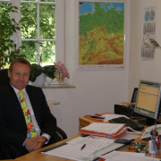 Tom R. Hübner